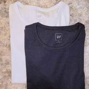 GAP women's white and navy long sleeve tees